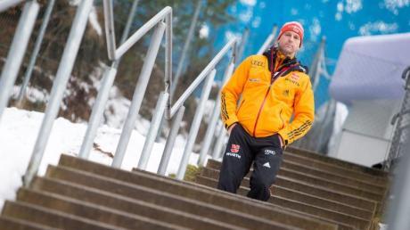 Auch nach seinem Abschied als Bundestrainer wird Werner Schuster dem Skispringen treu bleiben. Foto: Expa/Jfk/APA
