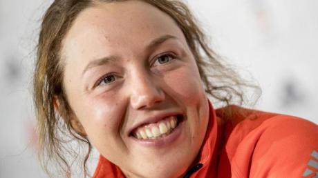 Kann es auch ohne Ski: Ex-Biathletin Laura Dahlmeier. Foto: Michael Kappeler