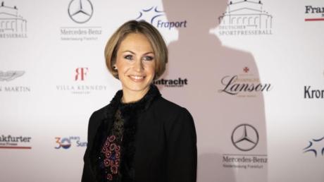 Die ehemalige Biathletin Magdalena Neuner hat durch ihre zwei kleinen Kinder zu mehr Gelassenheit im Leben gefunden.