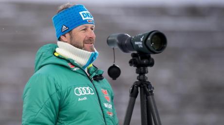 Kritisiert das ausgedehnte Programm zum Weltcup-Start in Östersund: Biathlon-Bundestrainer Mark Kirchner.