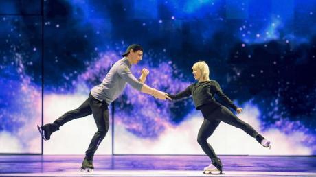 Aljona Savchenko und Bruno Massot bei den Proben zur Show «Holiday on Ice» auf dem Eis.