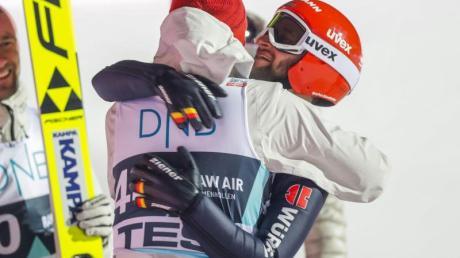 Freude über Platz zwei in Lillehammer: Markus Eisenbichler (r).
