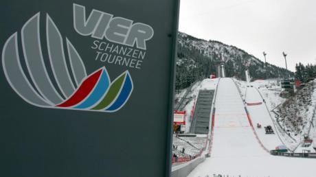 Der Auftakt der Vierschanzentournee in Oberstdorf ist mit 2500 Besuchern geplant.