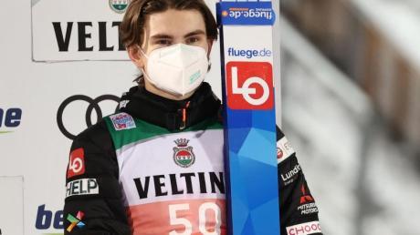 Marius Lindvik aus Norwegen wurde am Kiefer operiert.