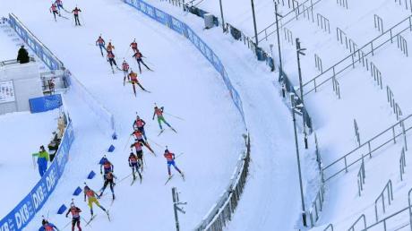 Beim Biathlon-Weltcup im thüringischen Oberhof gibt es vier neue Corona-Fälle.