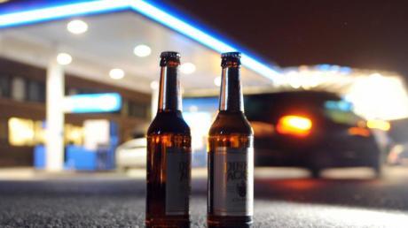 Alkohol in der Öffentlichkeit soll es in Ingolstadt bald nicht mehr geben. (Bild: dpa)