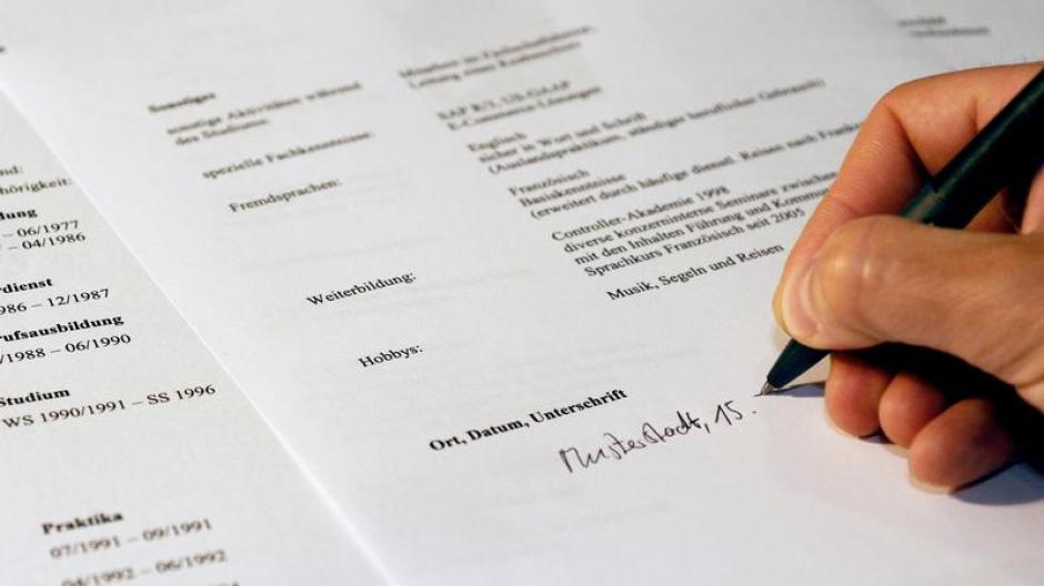 Arbeit: Bewerbung: Lebenslauf gut referieren - Wirtschaft ...