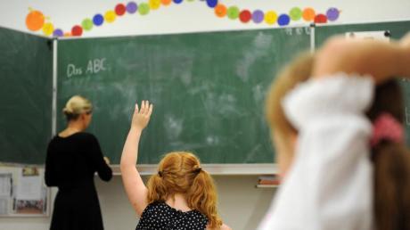 Lehrer werden jetzt früher geimpft als bisher vorgesehen, auch im Landkreis Donau-Ries.