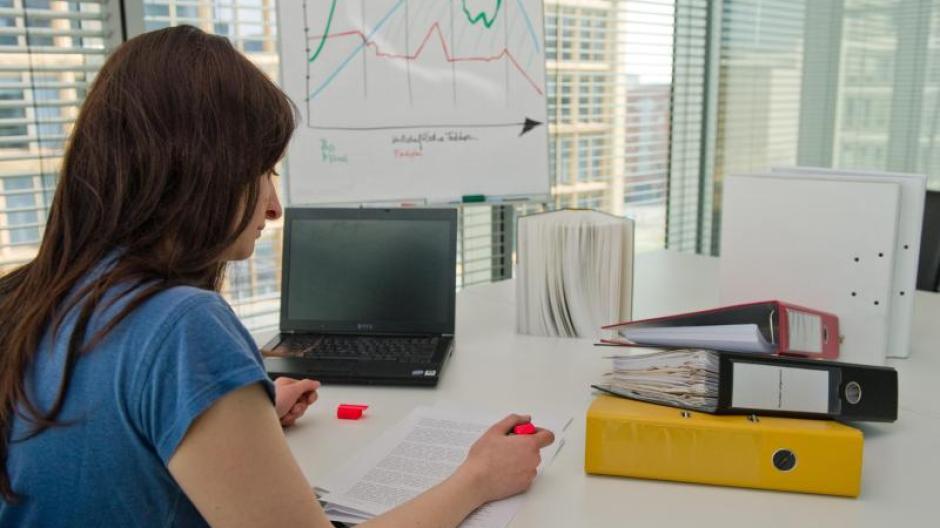 Arbeit So Entsteht Im Büro Wohlfühlklima Wissenschaft