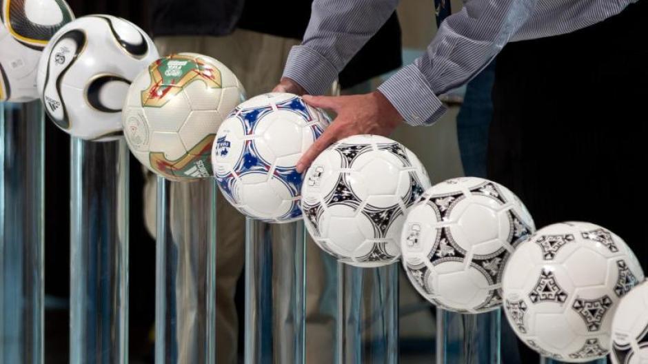 Sportartikel: Adidas verzichtet nach Protesten auf