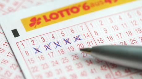 127 Menschen konnten sich 2019 über einen mindestens siebenstelligen Lotto-Gewinn freuen. Einer gewann sogar 63,2 Millionen Euro.
