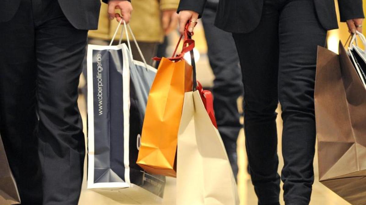 gesellschaft: shoppen oder verzicht? der kauf-nix-tag ist