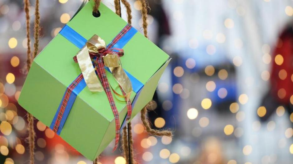 Konsum: Weihnachten: Geschenke für die Enkel mit den Eltern abklären ...