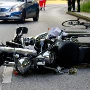 Bei einem bewussten Ausweichmanöver, bei dem andere Verkehrsteilnehmer durch einenUnfall geschützt werden, greift die gesetzliche Unfallversicherung. Foto: Daniel Bockwoldt