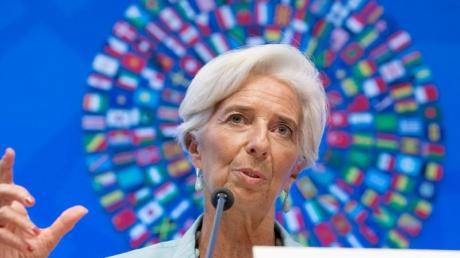 IWF-Direktorin Christine Lagarde rechnet damit, dass sich die Wirtschaft weltweit schlechter entwickelt als gedacht. Schuld daran sei auch die Unsicherheit um den Brexit.