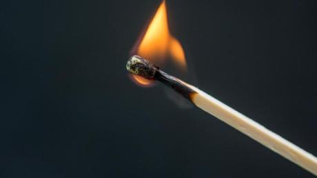 Muss man wirklich für seinen Job brennen? Experten sagen: nein. Foto: Karolin Krämer/dpa