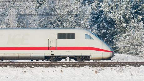 Der Winter gilt als kritische Zeit für Bahnreisende. Doch die Bilanz des Konzerns ist besser als viele denken. In der Kritik steht vor allem die mangelnde Reserveinfrastruktur.
