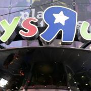 Toys R Us ist in Milliardenhöhe verschuldet und bemüht sich schon länger erfolglos um einen Käufer. Foto: Jason Szenes/EPA