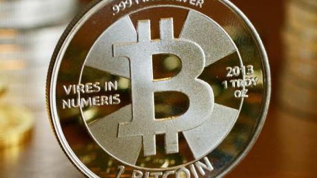 Gewinne beim Verkauf von Bitcoins müssen unter Umständen versteuert werden. Foto: Jens Kalaene