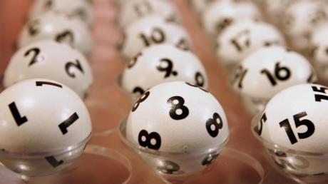 Beim Mittwochslotto heute ging es um rund 4 Millionen Euro. Das sind die aktuellen Lottozahlen.