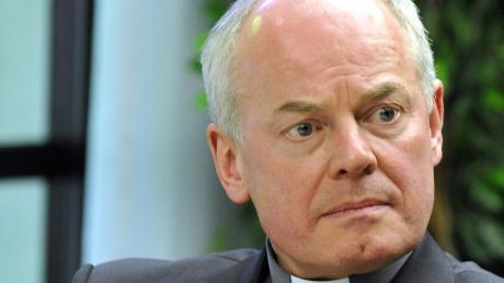 Der Augsburger Weihbischof Anton Losinger, 62, gehörte von 2005 bis 2016 dem Deutschen Ethikrat an. Im Interview spricht er darüber, warum man an den Tag nach Corona denken sollte.
