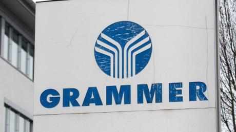 Das Logo der Grammer AG an der Konzernzentrale in Amberg. Foto: Armin Weigel