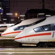 Züge vom Typ ICE stehen am Hauptbahnhof in München. Foto: Matthias Balk