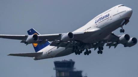 Die Flugsicherung in Europa soll reformiert werden. Das soll zugleich Kosten sparen und dem Klimaschutz dienen.