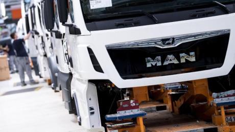 Lastwagenbauer MAN plant nach Aussagen des Vorstandschefs Joachim Drees einen massiven Stellenabbau.