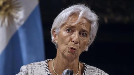 Christine Lagarde, Direktorin des IWF, sieht vor allem in der Wirtschaftspolitik von US-Präsident Donald Trump ein großes Risiko. Foto: Andres Kudacki/AP