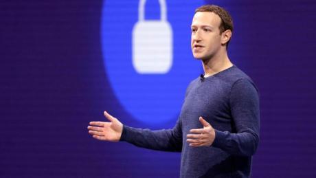 Mark Zuckerberg, Vorstandsvorsitzender von Facebook, wird von Investoren unter Druck gesetzt.