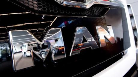 MAN und Scania wollen 2020 die ersten elektrischen Serien-Stadtbusse auf den Markt bringen.