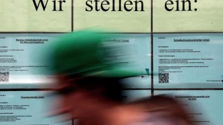 Zum 1.Januar 2019 steigt der gesetzliche Mindestlohn von derzeit 8,84 Euro auf 9,19 Euro pro Stunde. Foto: Oliver Berg