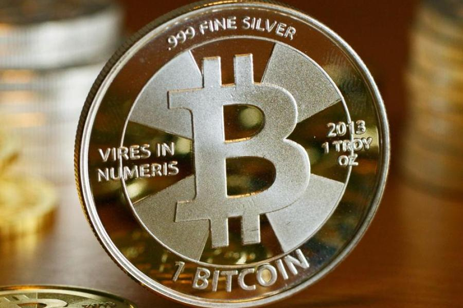 bitcoin prin telefon
