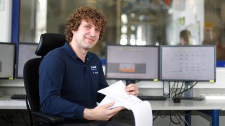 Andreas Briegel arbeitet seit zehn Jahren bei BASF in Illertissen. Er hat eine Ausbildung zum Chemikanten gemacht und ist heute für Stoffe verantwortlich, die so teuer sind wie ein Ferrari.
