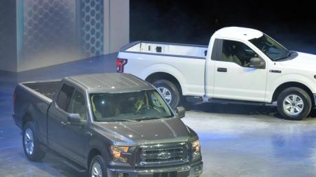 Egal ob Limousine, Sportwagen oder wie im konkreten Fall ein massiger Pick-Up von Ford: Jobcenter können Hartz-IV-Empfänger nicht ohne weiteres zum Verkauf ihres Autos zwingen. Foto: Uli Deck/Symbolbild
