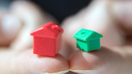 Wer aus beruflichen Gründen zwei Wohnungen in unterschiedlichen Orten hat, kann diese von der Steuer absetzen. Foto: Andrea Warnecke