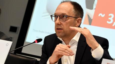 Konnte einen Zwischenerfolg für Kuka verbuchen: Vorstandsvorsitzender Peter Mohnen.