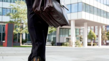 Wer ein Gewerbe angemeldet hat, muss nicht automatisch selbständig sein. Foto: Christin Klose/dpa-tmn