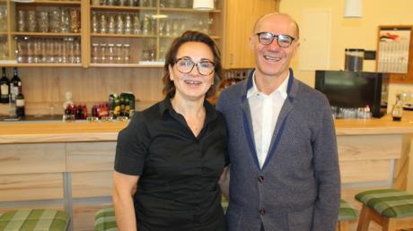 Das Ehepaar Elena und Filippo Aceto feiert das Jubiläum der Pizzeria Da Franco.