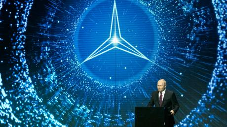 Präsident Wladimir Putin bei der Eröffnung des Mercedes-Werkes nahe Moskau im April.