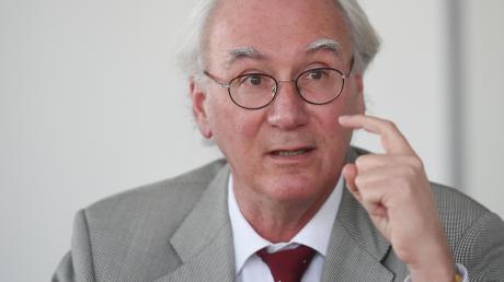 Peter Saalfrank hat lange die Geschicke der schwäbischen Wirtschaft als IHK-Hauptgeschäftsführer mitbestimmt. Zum Jahresende tritt er ab. Sein Nachfolger steht mit Marc Lucassen schon fest.