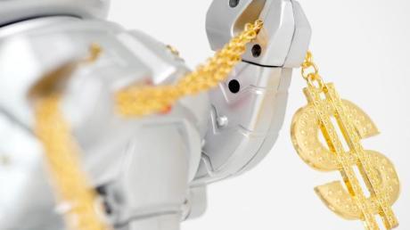 Robo-Advisor sind eine günstige Form der Geldanlage. Allerdings fallen auch bei der digitalen Portfolioverwaltung Gebühren an.