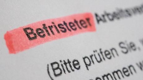 Job auf Zeit:Befristete Verträge setzen Firmen in den meisten Fällen zur Erprobung der Mitarbeiter ein.