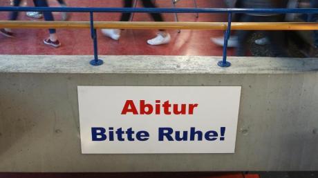 Rund 421.000 Schülerinnen und Schüler haben im vergangenen Jahr in Deutschland die Hochschul- oder Fachhochschulreife erworben.