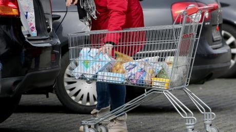 Angst vor dem Coronavirus? Deutschlands Lebensmitteldiscounter melden verstärkte Nachfrage bei bestimmten Produkten.