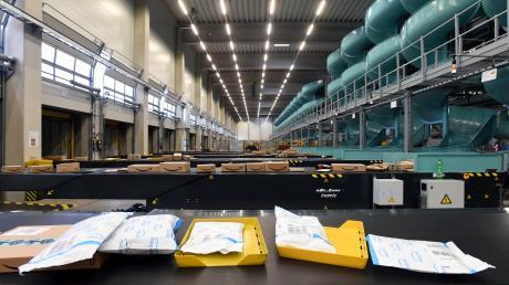Das Paketverteilzentrum von DHLstellt seinen Betrieb ein. Nach Angaben der Post sind rund 80 Mitarbeiter von der Maßnahme betroffen.