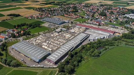 """Wo einst alles mit einer 3000 Quadratmeter großen Wiese am Ortsrand von Unterthürheim begann, erweiterte sich die Firma """"Roma"""" nach und nach auf die Fläche von 17 Hektar."""