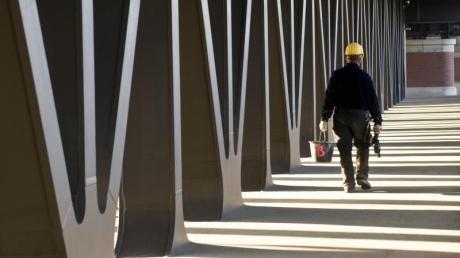 Im Rahmen der Coronakrise melden viele Betriebe Kurzarbeit an.