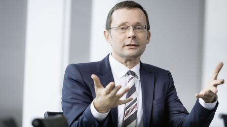 Deka-Chefvolkswirt Ulrich Kater sieht die deutsche Industrie trotz vieler offener Fragen gut gerüstet.
